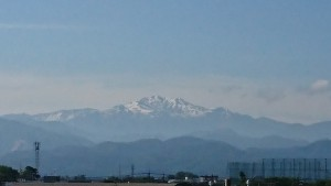 自宅から見た白山-1